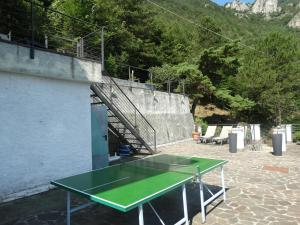 Table tennis facilities at Chalet4You or nearby