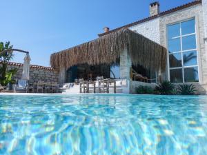 Piscine de l'établissement La Vela Hotel - Adult Only ou située à proximité
