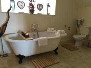 A bathroom at Fauhope Country House