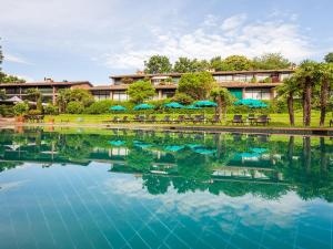 Der Swimmingpool an oder in der Nähe von Park Hotel Principe