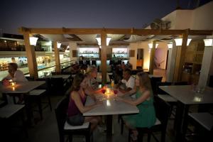 مطعم أو مكان آخر لتناول الطعام في كاميل دايف كلوب آند هوتيل - فندق بوتيكي