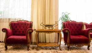 A seating area at Rooms at Mayakovskaya