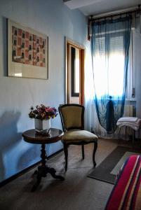A seating area at Hotel Alla Fiera