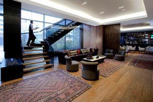 The lobby or reception area at Hotel Estelar Parque de la 93