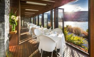 A restaurant or other place to eat at Hilton Queenstown Resort & Spa