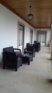 A seating area at Casa do Fontão