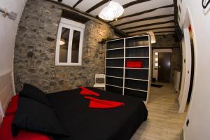 A bed or beds in a room at Andra Mari Apartamentu Turistikoak