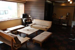 Area tempat duduk di Hotel Saika