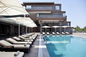 The swimming pool at or near Divan Bursa