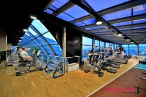 The fitness center and/or fitness facilities at Divan Bursa