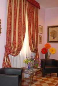 A seating area at B&B Gerbera Roma