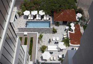 A view of the pool at Casa Habita or nearby