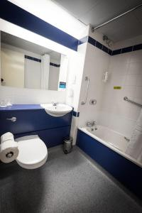 A bathroom at Travelodge Dublin Airport North 'Swords'