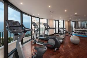Phòng/tiện nghi tập thể dục tại LegendSea Hotel