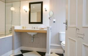 A bathroom at The Royal Albion
