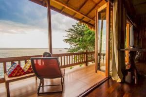 A balcony or terrace at Koh Jum Resort