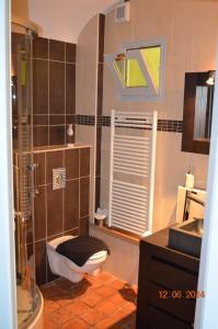 A bathroom at B&B Chez Marie