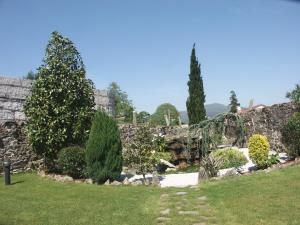 A garden outside Casa Antiga Do Monte