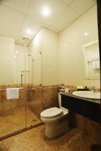 A bathroom at Beautiful Saigon 3 Hotel