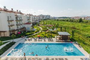 Вид на бассейн в Апарт-отель Имеретинский - Заповедный квартал  или окрестностях