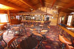 The lounge or bar area at Dalton Trail Lodge