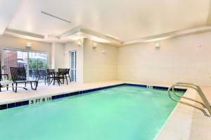 The swimming pool at or near Homewood Suites Atlanta Airport North