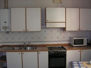 A kitchen or kitchenette at B&B Brianza Est