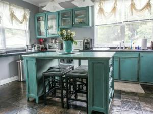 A kitchen or kitchenette at Charles Street Vacation Home