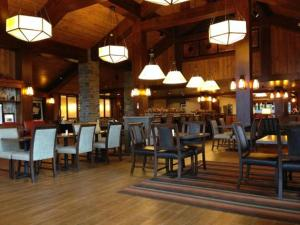 A restaurant or other place to eat at Hampton Inn & Suites Lake Placid
