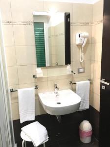 A bathroom at Sogno Di Roma
