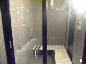 A bathroom at The Nell Ueno Okachimachi