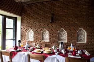مطعم أو مكان آخر لتناول الطعام في Kasbah Illy