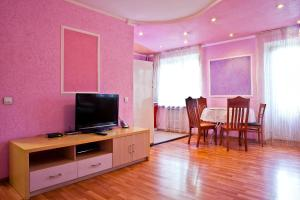 A television and/or entertainment center at Lessor Centre Apartments