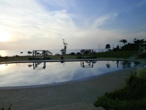 The swimming pool at or close to Samalaju Resort Hotel