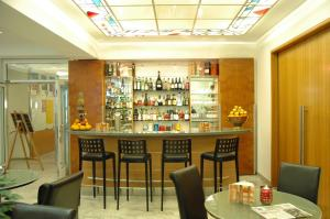 The lounge or bar area at Hotel Unger