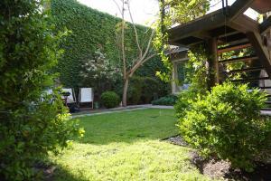 Un jardín fuera de Casa Lila