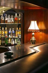 The lounge or bar area at Nassim Hôtel