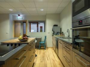 A kitchen or kitchenette at Post-Hostel
