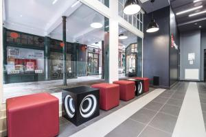 The lobby or reception area at Tune Hotel Liverpool