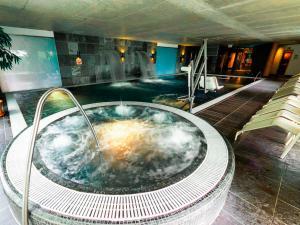 The swimming pool at or close to Hotel Bonvino Badacsony