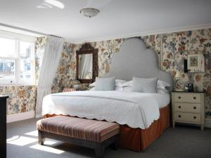 A bed or beds in a room at Charlotte Street Hotel, Firmdale Hotels