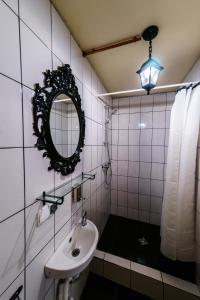 Ванная комната в Круассан Отель и Пекарня