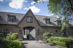 Eine Fassade oder ein Eingang zu Hotel Schloss Walbeck