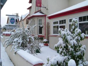 Smiddy House & Russell's Restaurant during the winter