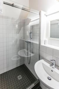 Ein Badezimmer in der Unterkunft Depot 195 - Hostel Winterthur