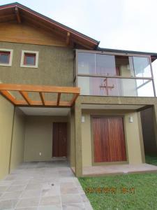 The facade or entrance of Casas dos Alpes