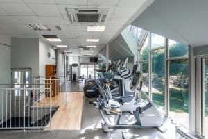 The fitness center and/or fitness facilities at The Landmark Hotel and Leisure Club
