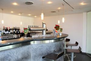 The lounge or bar area at Hotel am Hirschgarten