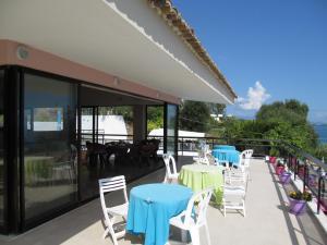 Εστιατόριο ή άλλο μέρος για φαγητό στο Karina Hotel