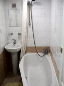 A bathroom at Addison B&B